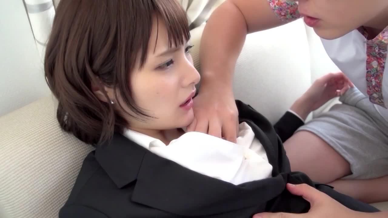 鏡の前で志戸哲也さんにビリビリにパンティストッキングを破かれて攻められる新人オフィスレディさん